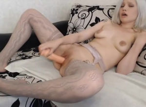 first-timer webcam-model pops with..
