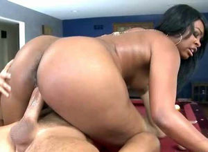 Culo black stunner gets fat cum on her..